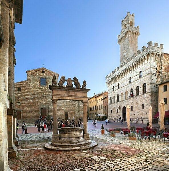 Cosa fare a Montepulciano - Piazza grande